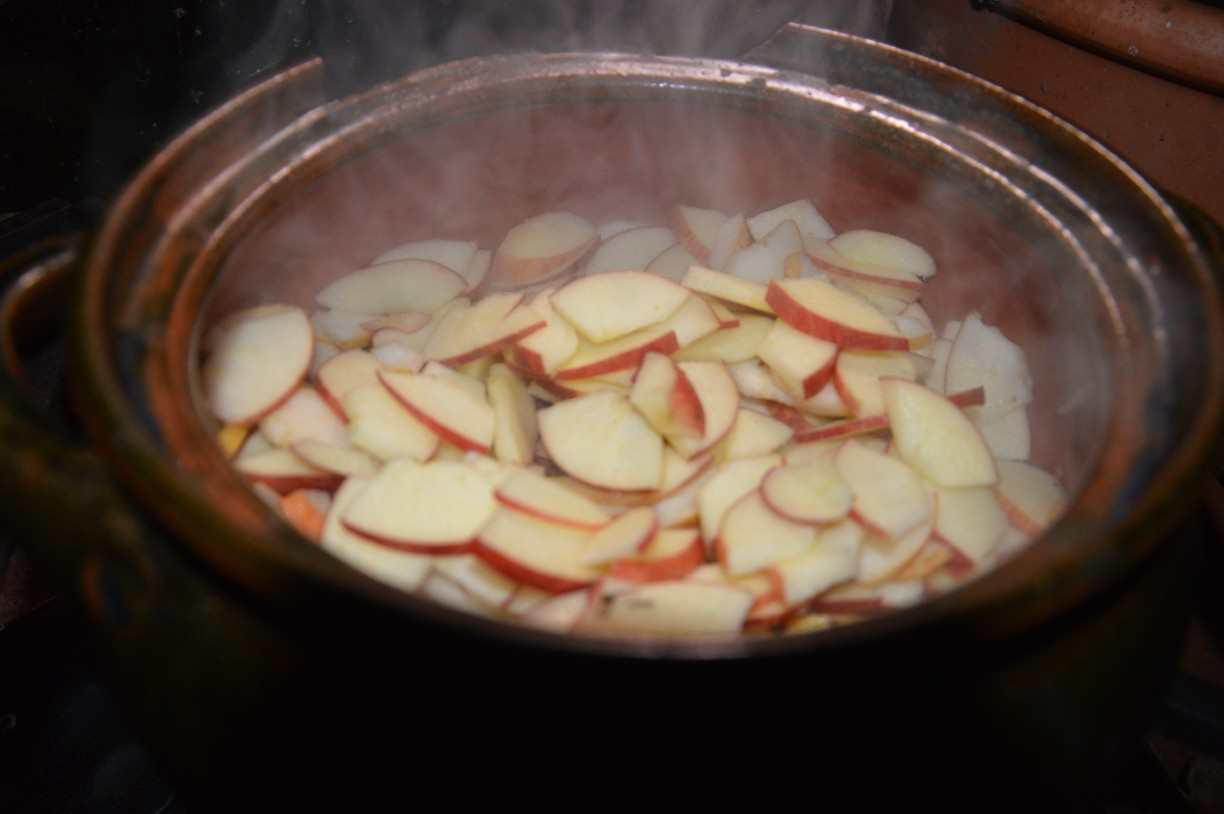frying the apples