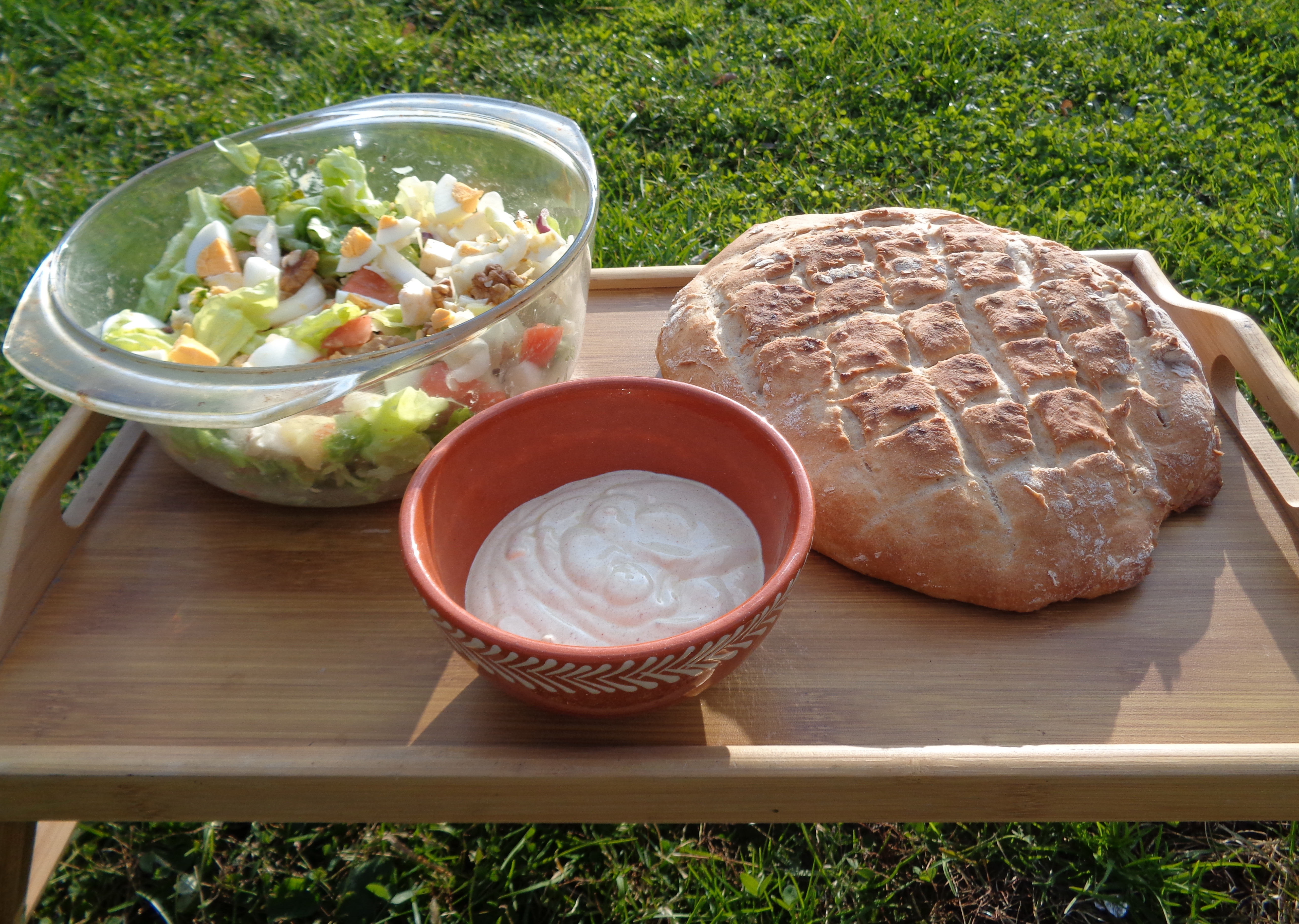 salad-with-bread