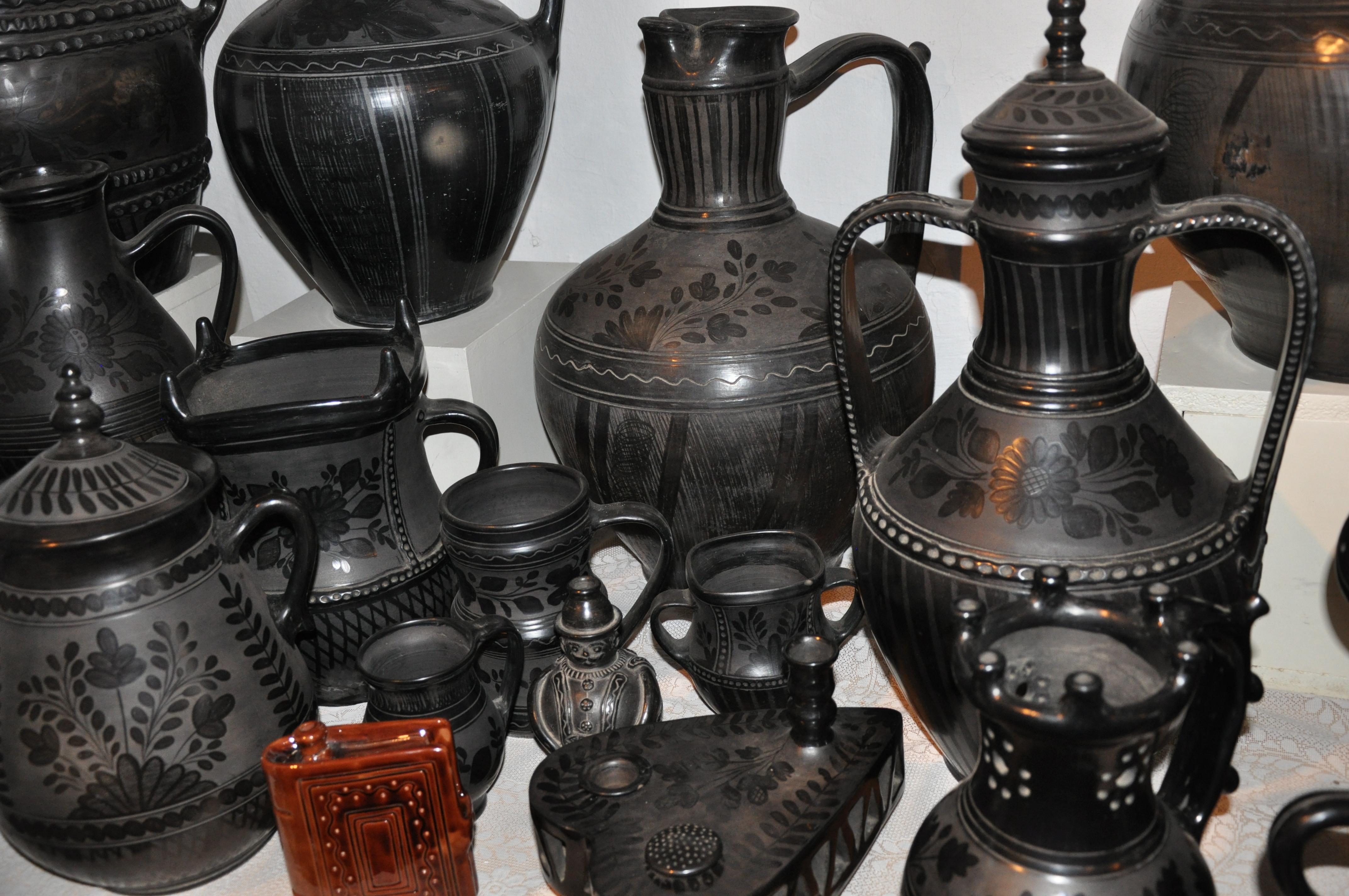 01 black ceramic